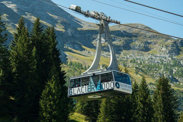 kt_2020_320_glacier3000 cable car1_2048_10