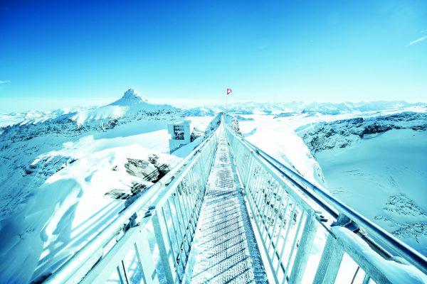 kt_2020_320_glacier3000 peak walk8_2048_10