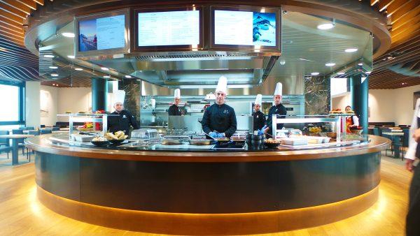 kt_2020_320_glacier3000 restaurant1_2048_10