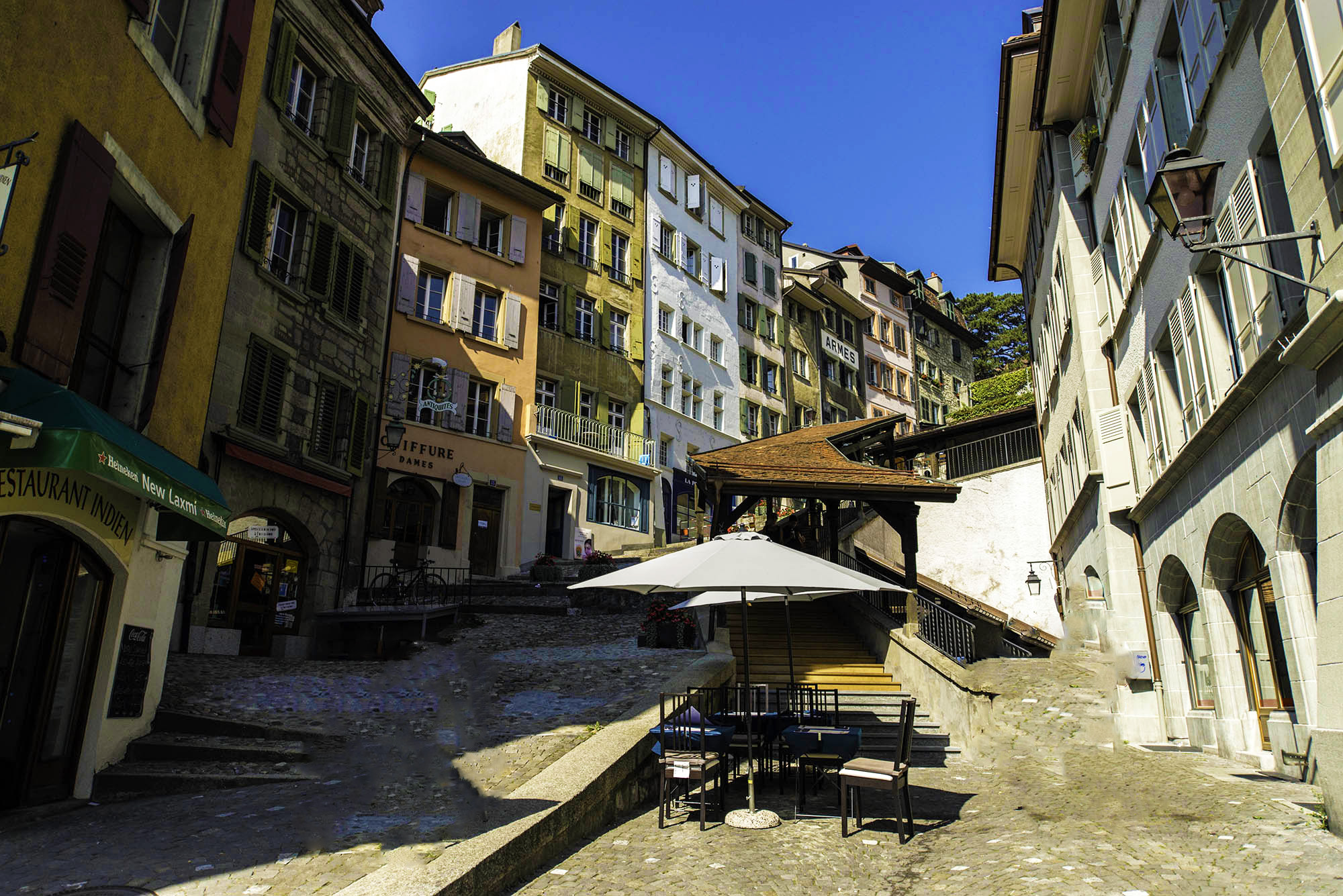 kt_2020_300_Keytours_excursions_Swisstours_lausanne_city2_2000_10