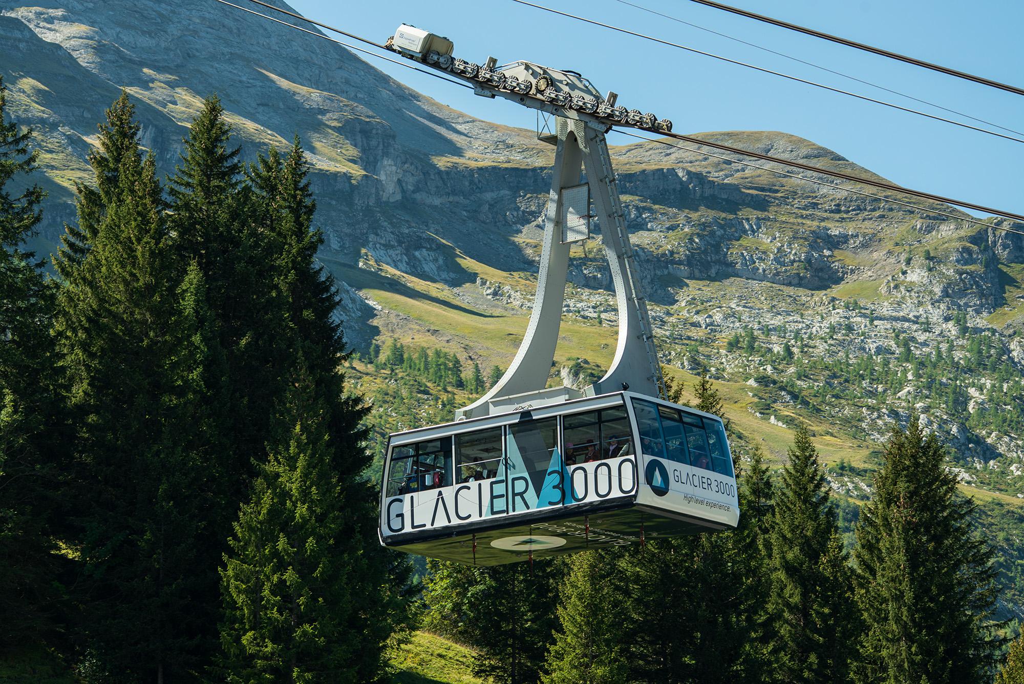 kt_2020_320_Keytours_excursions_Swisstours_glacier3000_cable_car1_2048_10