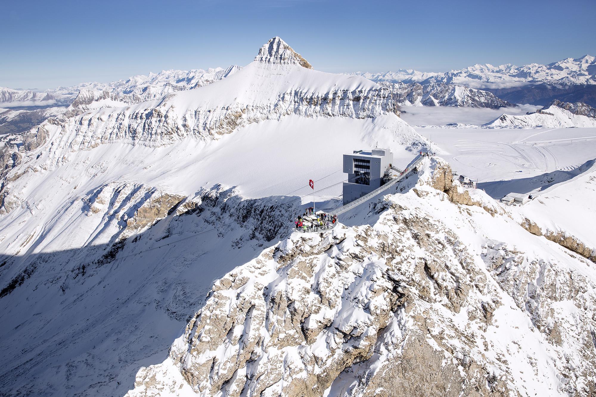 kt_2020_320_Keytours_excursions_Swisstours_glacier3000_peak_walk2_2048_10