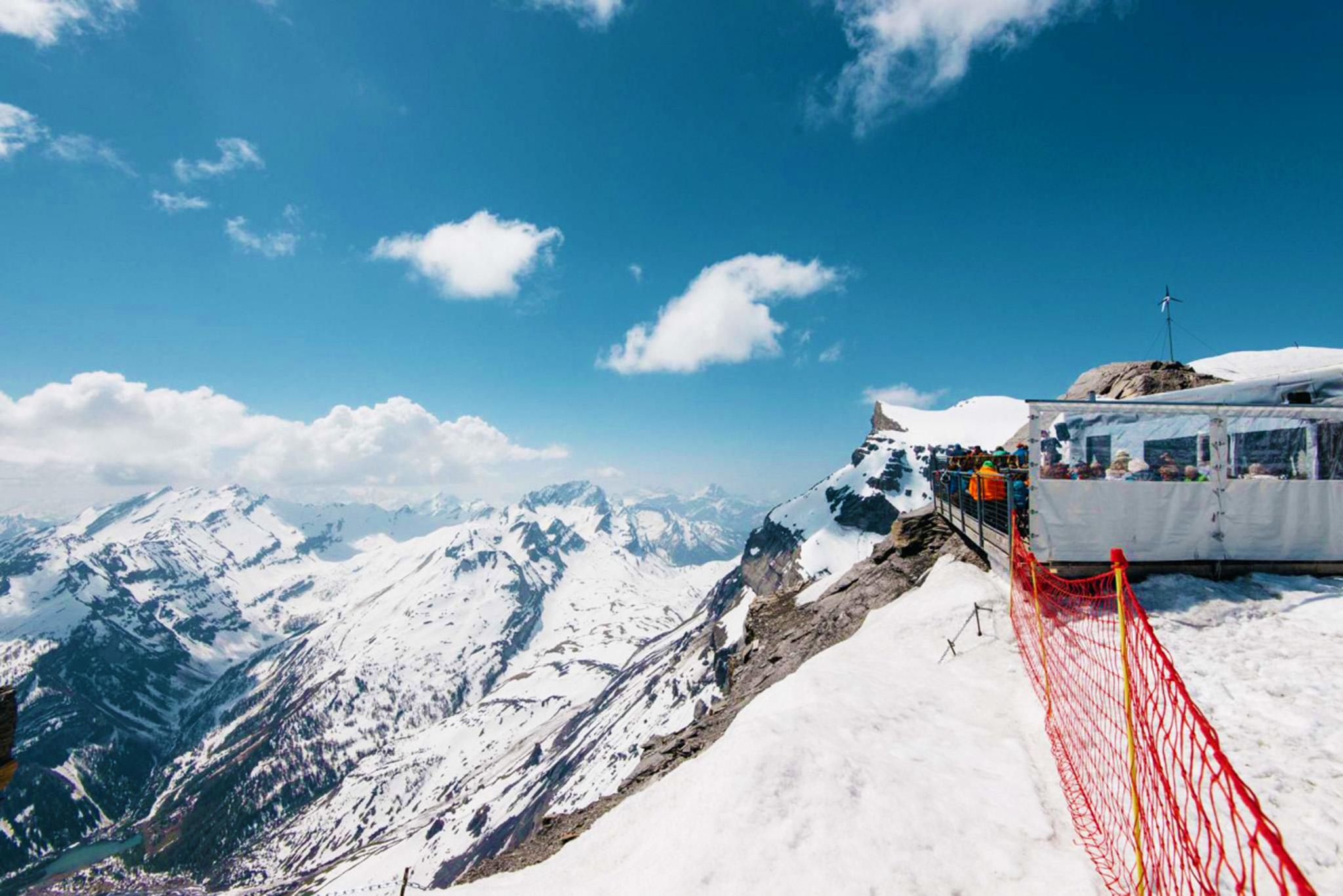 kt_2020_320_Keytours_excursions_Swisstours_glacier3000_refuge1_2048_10