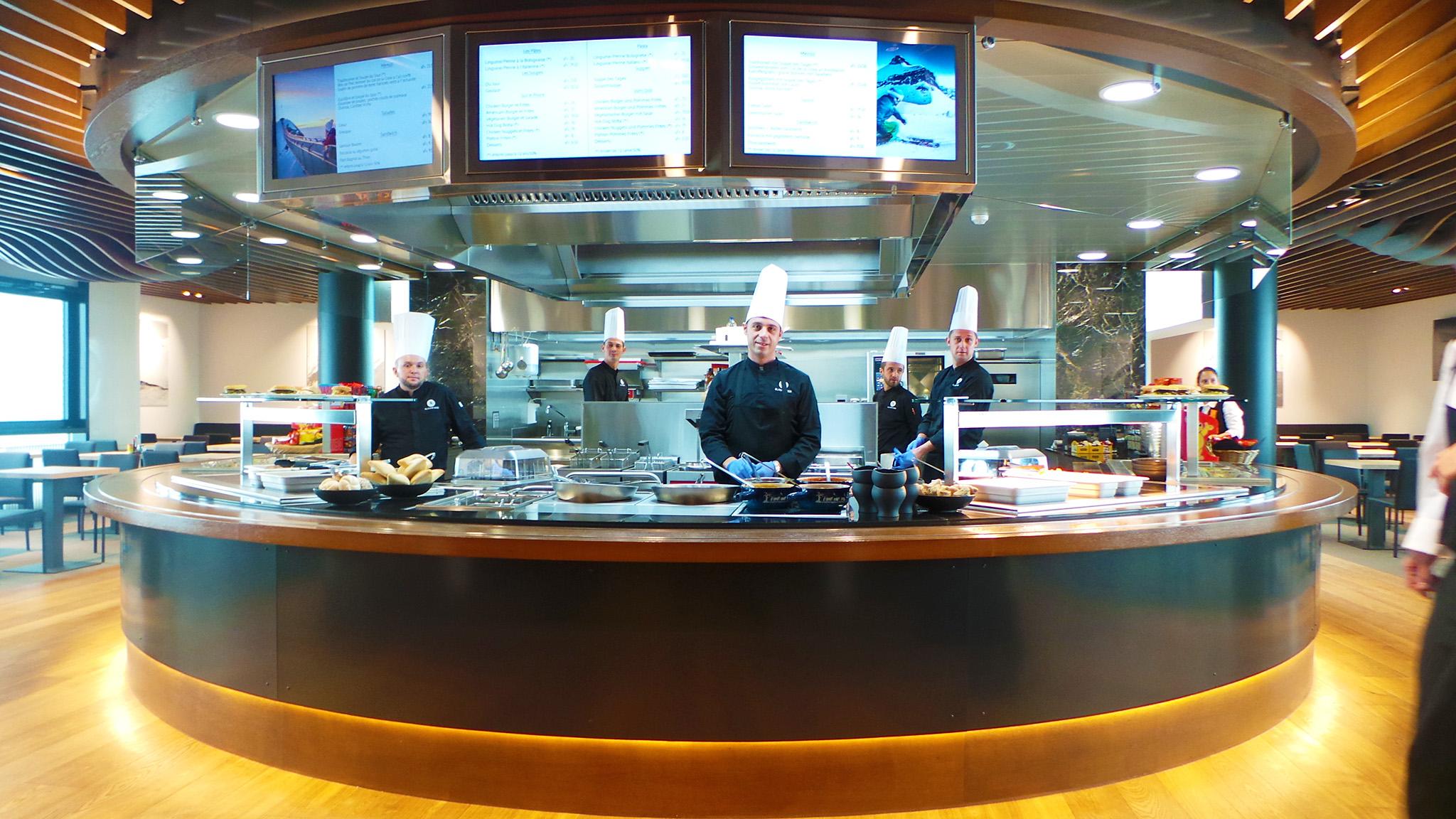 kt_2020_320_Keytours_excursions_Swisstours_glacier3000_restaurant1_2048_10
