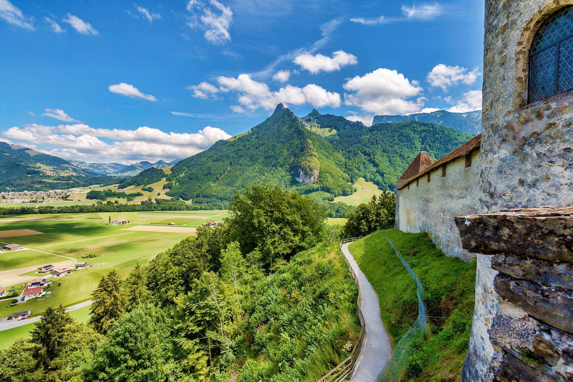 kt_2020_350_Keytours_excursions_Swisstours_gruyères_village10_2048_10
