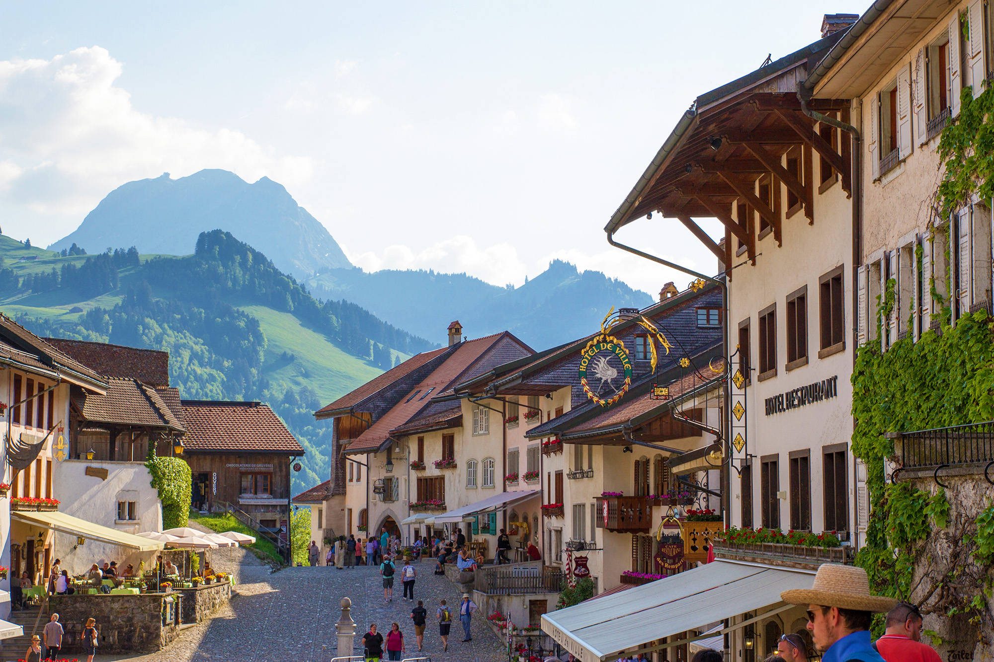kt_2020_350_Keytours_excursions_Swisstours_gruyères_village11_2048_10