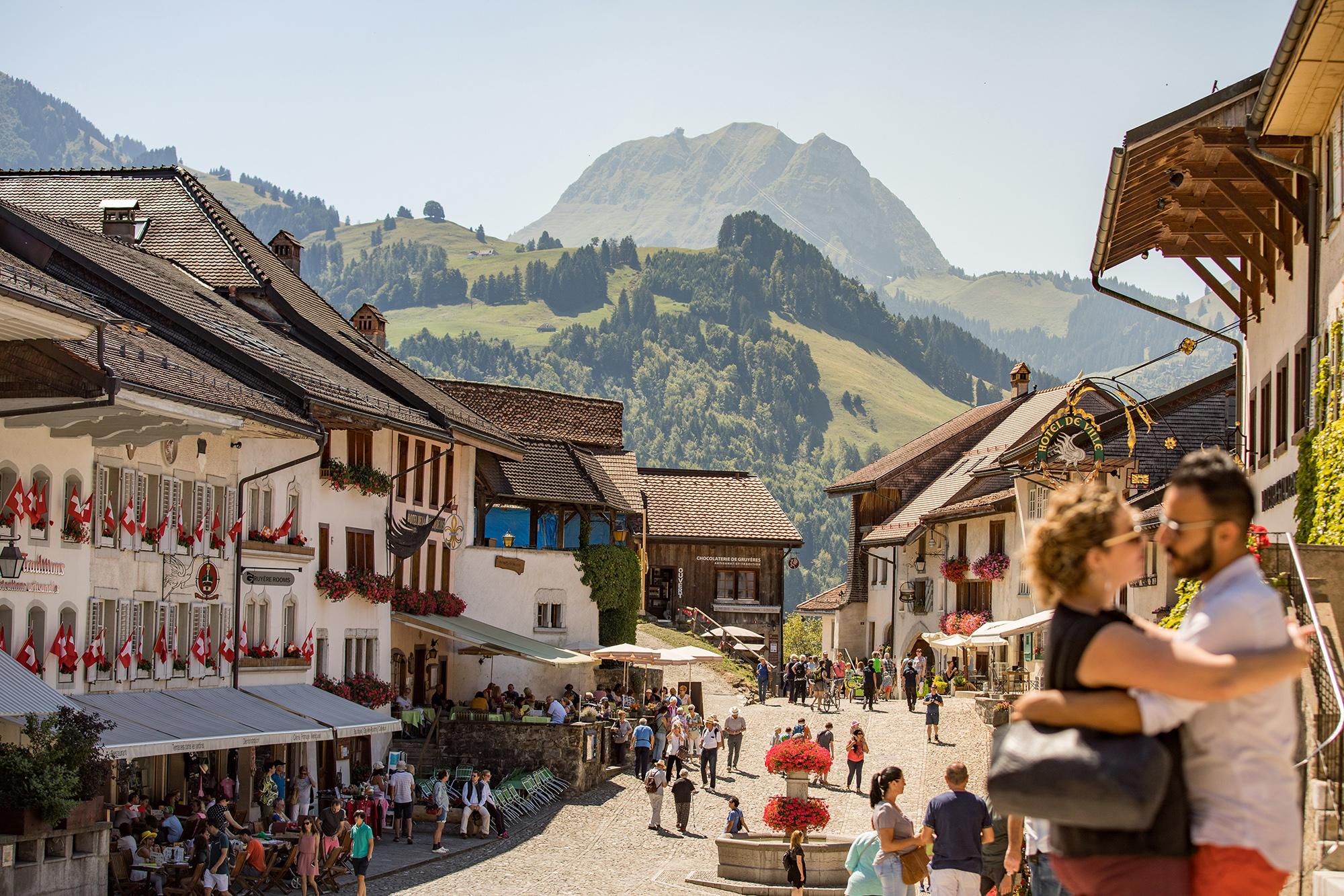 kt_2020_350_Keytours_excursions_Swisstours_gruyères_village2_2048_10