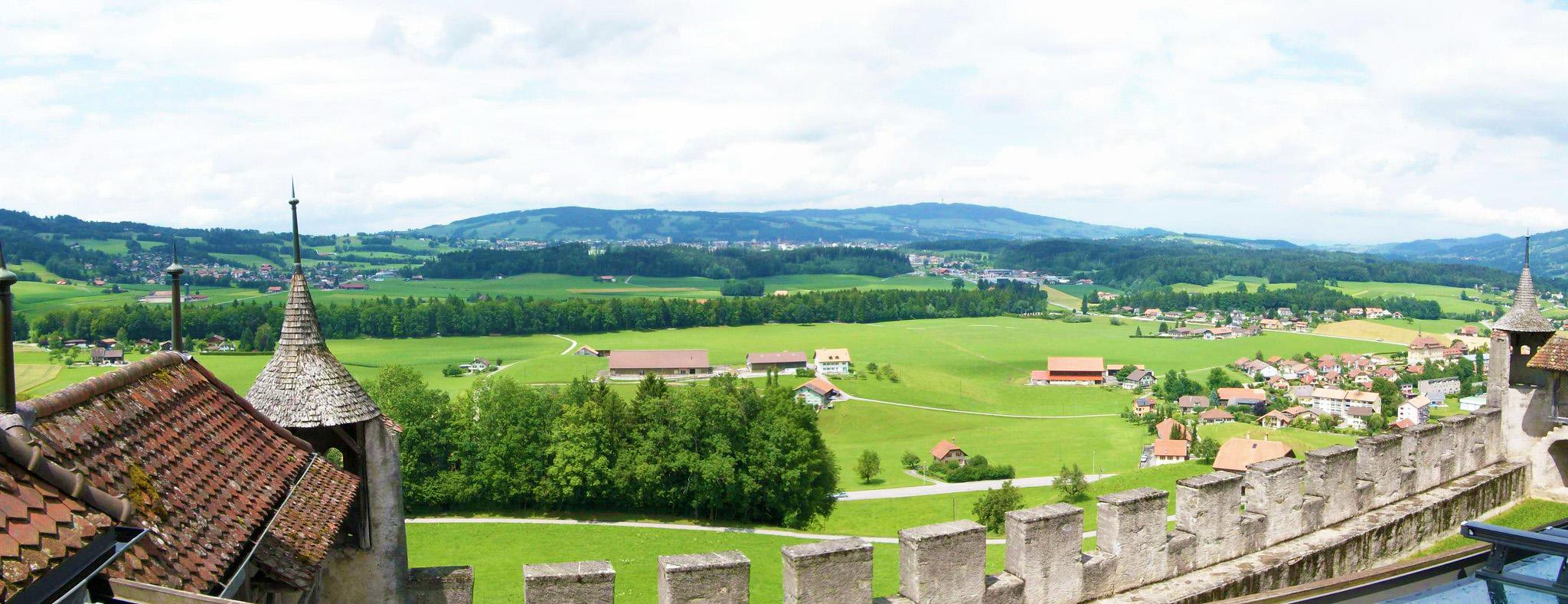 kt_2020_350_Keytours_excursions_Swisstours_gruyères_village4_2048_10