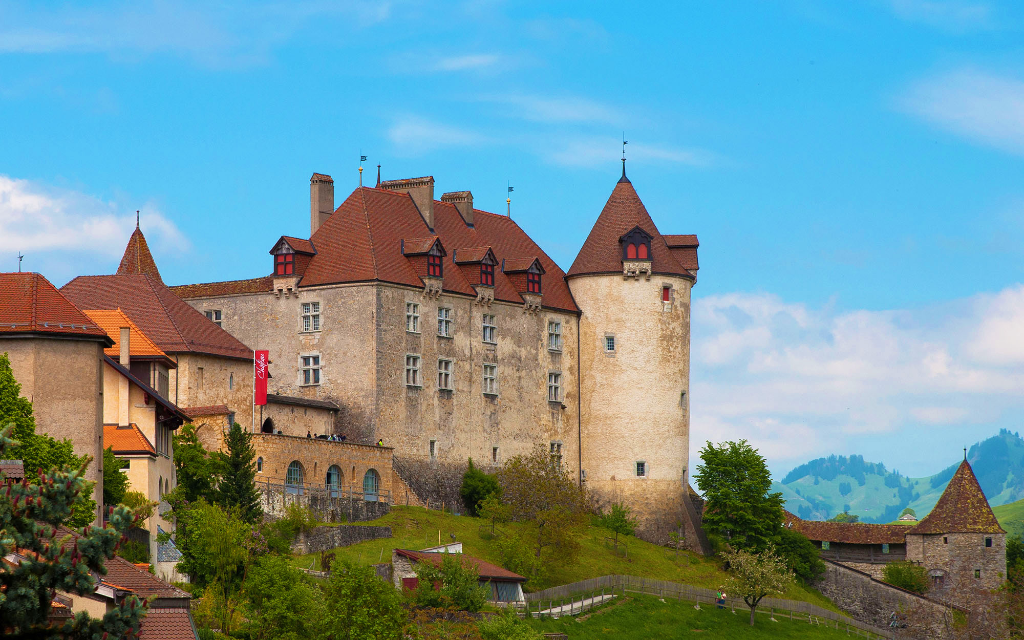kt_2020_350_Keytours_excursions_Swisstours_gruyères_village9_2048_10