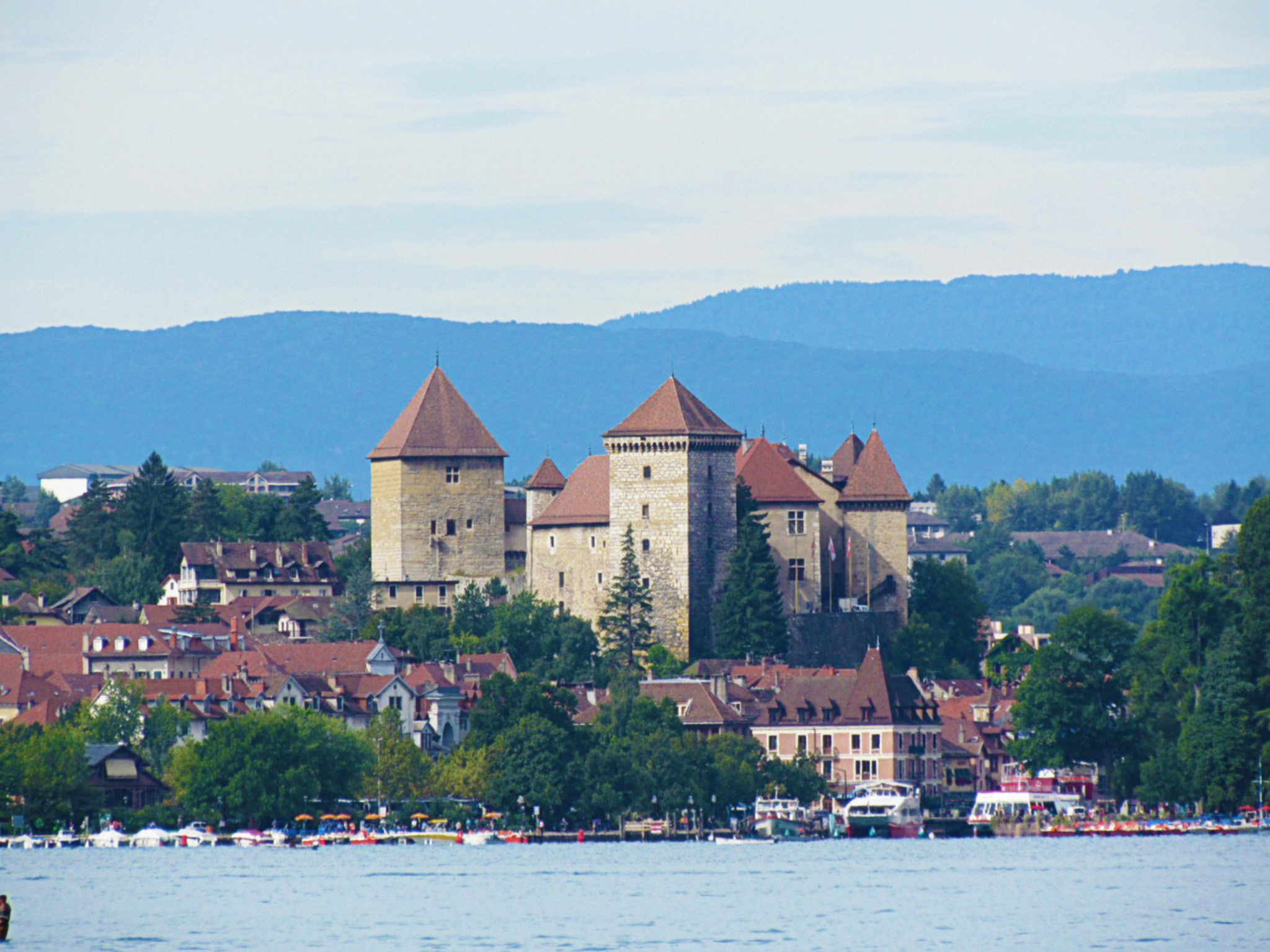 kt_2020_370_Keytours_excursions_Swisstours_annecy_château1_2048_10