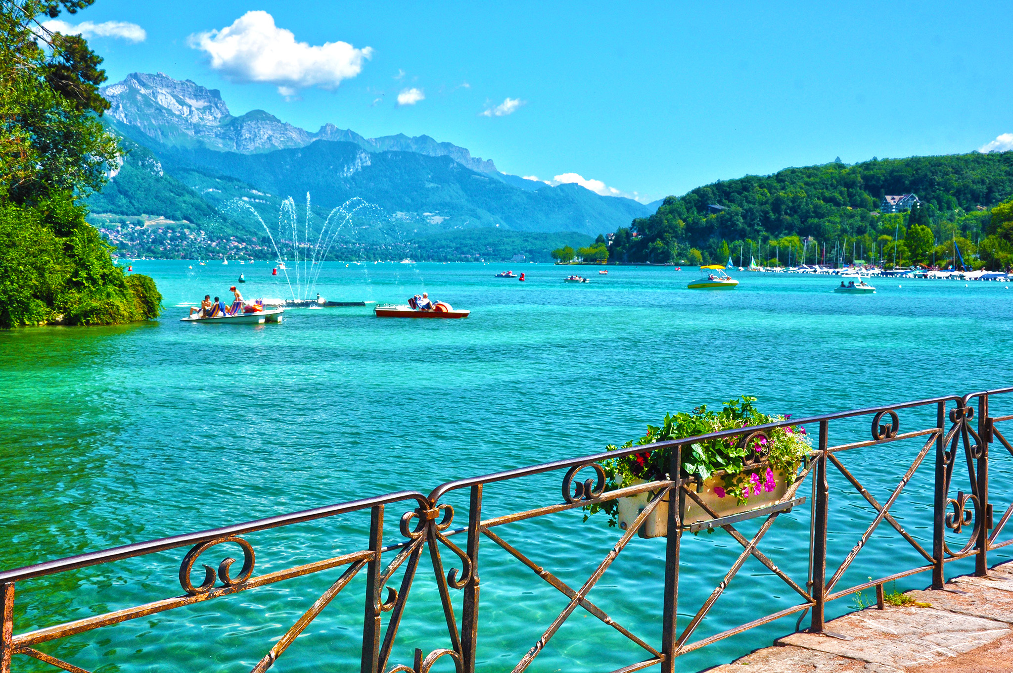 kt_2020_370_Keytours_excursions_Swisstours_annecy_lac5_2048_10