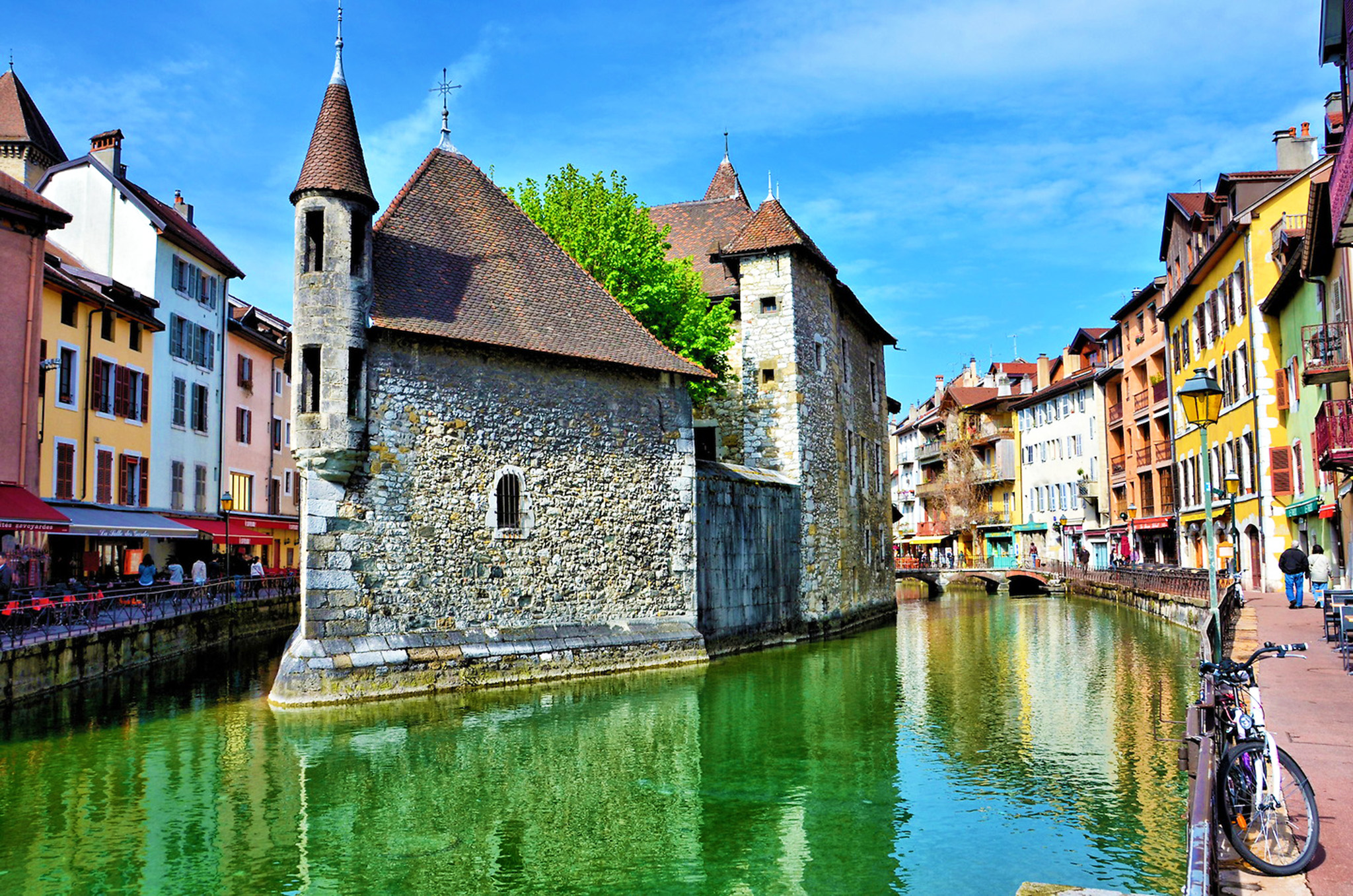 kt_2020_370_Keytours_excursions_Swisstours_annecy_palais_de_lile3_2048_10