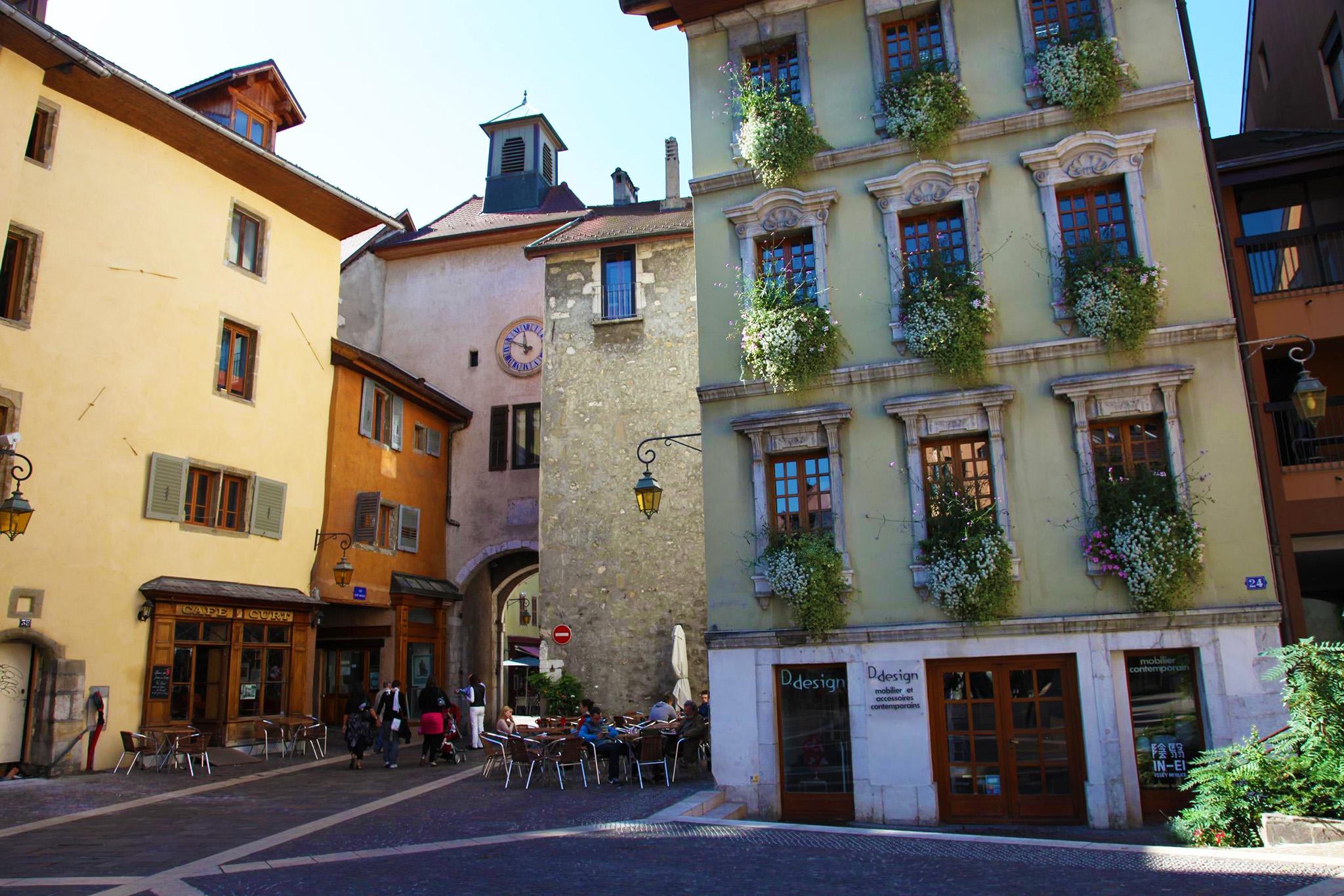 kt_2020_370_Keytours_excursions_Swisstours_annecy_rue_saint-claire_et_maison_gallo1_2048_10