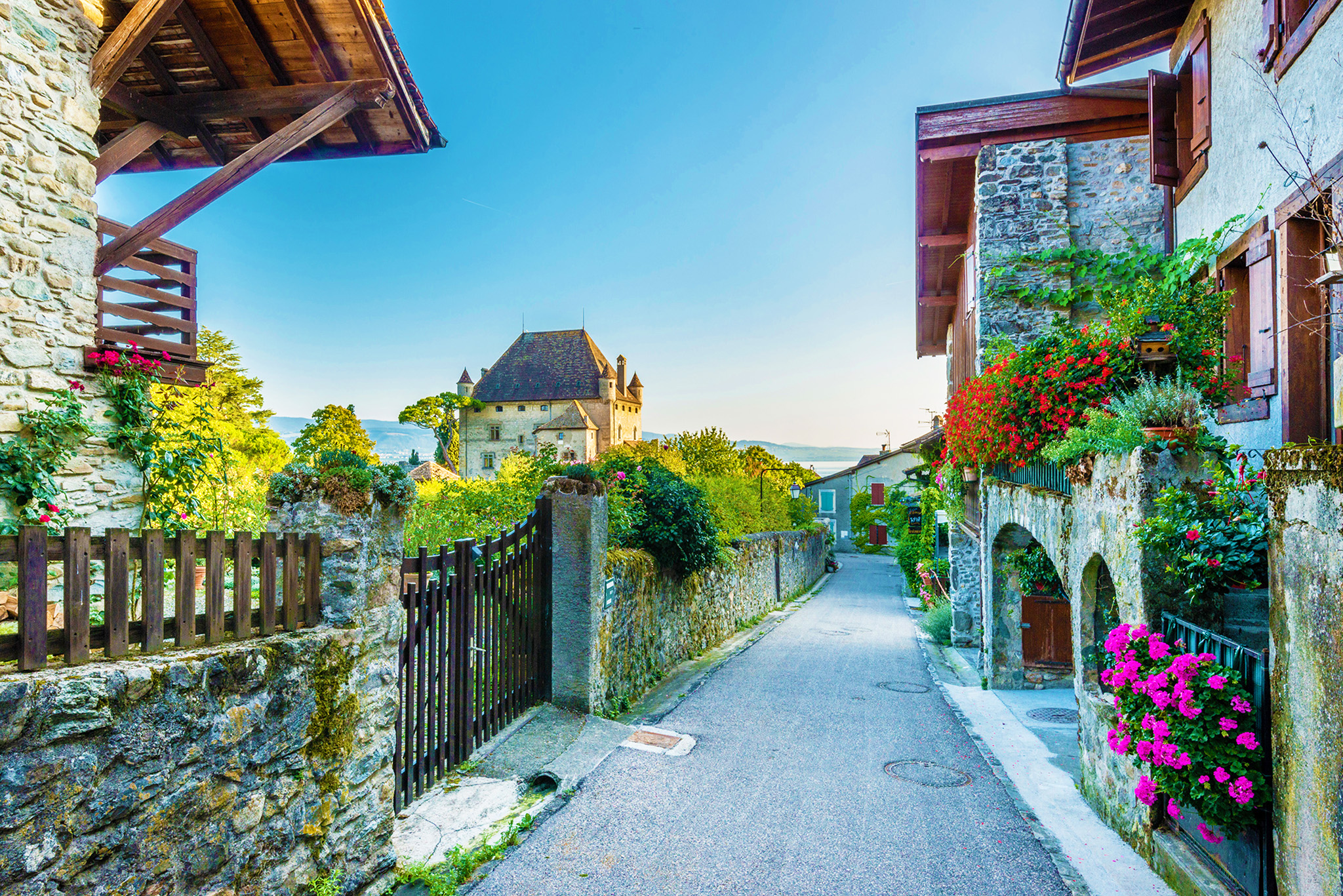kt_2020_380_Keytours_excursions_Swisstours_yvoire2_2048_10