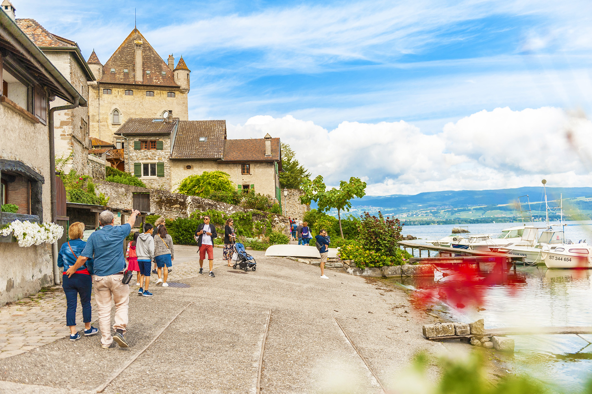 kt_2020_380_Keytours_excursions_Swisstours_yvoire4_2048_10